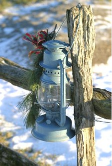 Rustic Christmas Decor - Outdoor Christmas Decorating