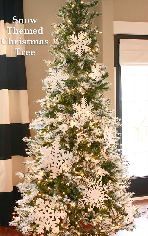 Snow Themed Christmas Tree