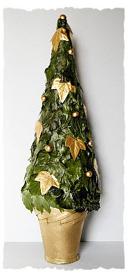 DIY Artificial Ivy Leaves Christmas Tree