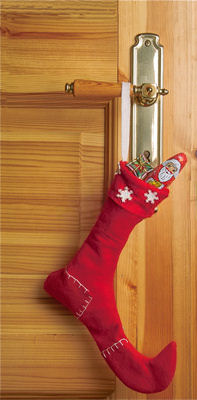 5 Quick Christmas Decorations - Stockings on Door Handles